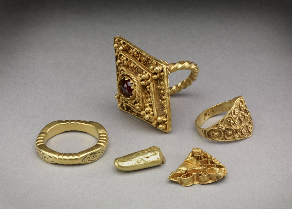 Hoard_of_Anglo-Saxon_rings